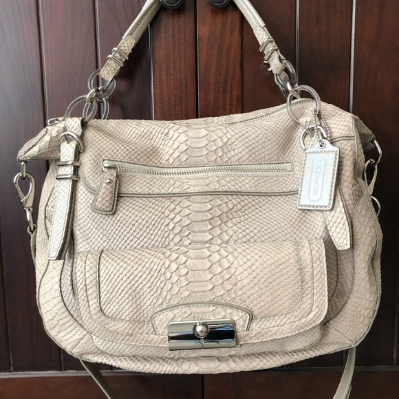 Coach Handbags - Coach hobo handbag